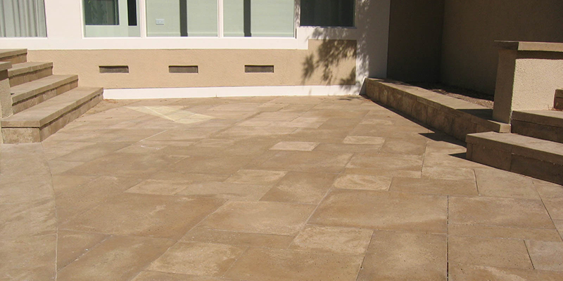 outsidetravertinepavers