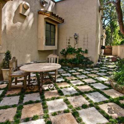 travertine-tiles-outdoor